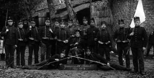 15 oktober 1914 – de grenswacht op Rovert voor boerderij de Rook (coll. Jef van Gils)